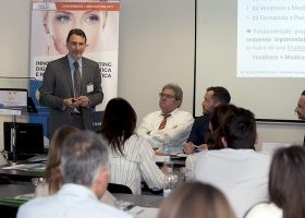 Digital Storytelling Flavio D'Annunzio interviene al seminario sul marketing digitale nella cosmetica e nella medicina estetica